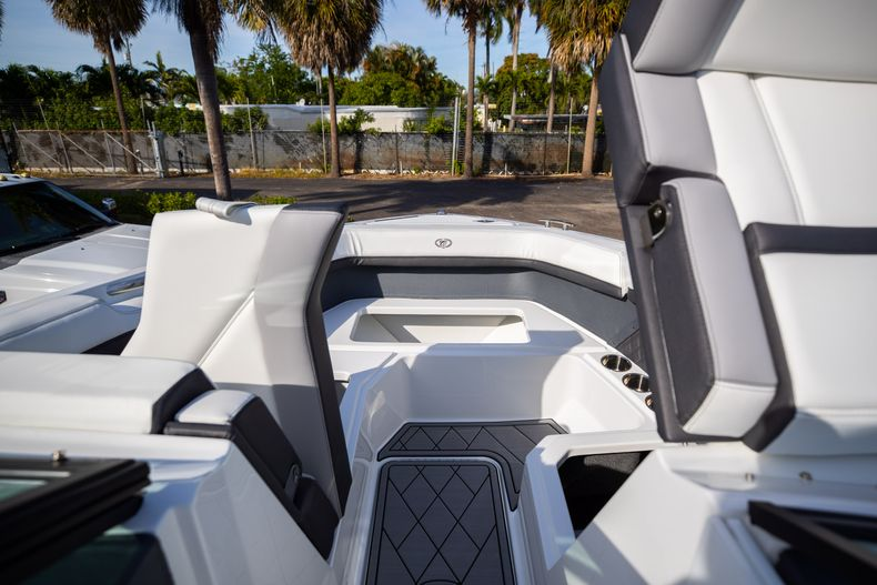 Thumbnail 55 for New 2021 Cobalt R6 boat for sale in Miami, FL
