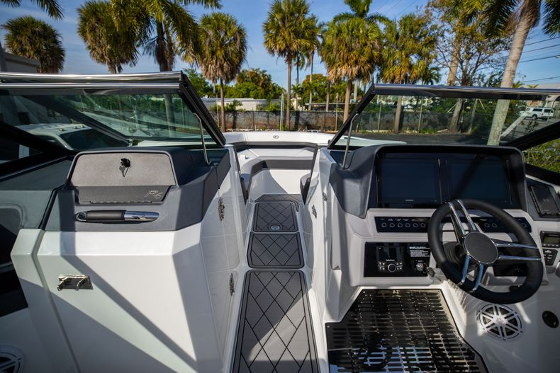 Thumbnail 52 for New 2021 Cobalt R6 boat for sale in Miami, FL