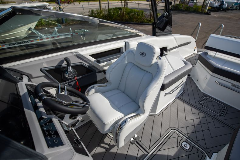 Thumbnail 43 for New 2021 Cobalt R6 boat for sale in Miami, FL