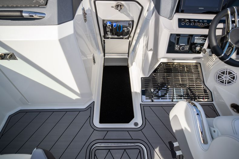 Thumbnail 50 for New 2021 Cobalt R6 boat for sale in Miami, FL