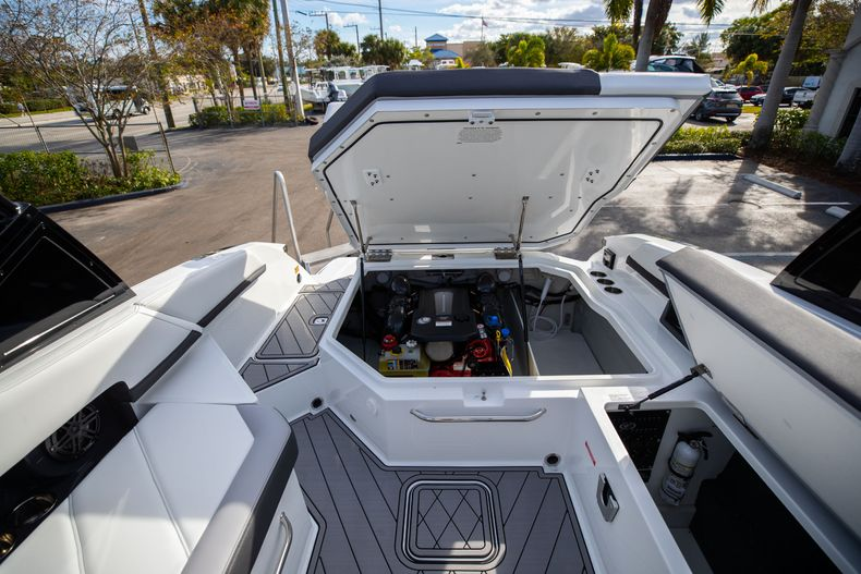 Thumbnail 25 for New 2021 Cobalt R6 boat for sale in Miami, FL