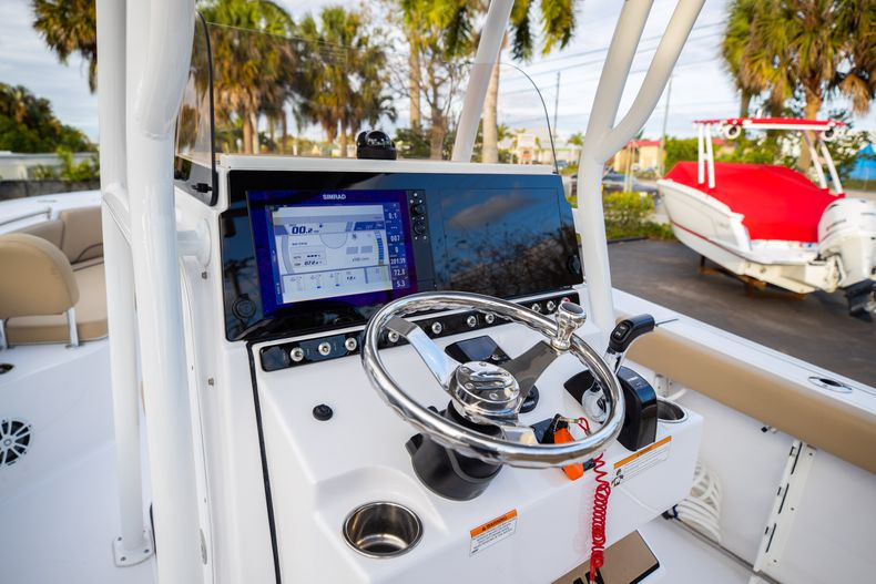 Thumbnail 33 for Used 2018 Sportsman Heritage 241 Center Console boat for sale in West Palm Beach, FL