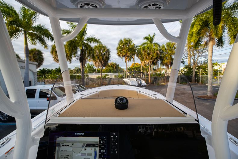 Thumbnail 29 for Used 2018 Sportsman Heritage 241 Center Console boat for sale in West Palm Beach, FL