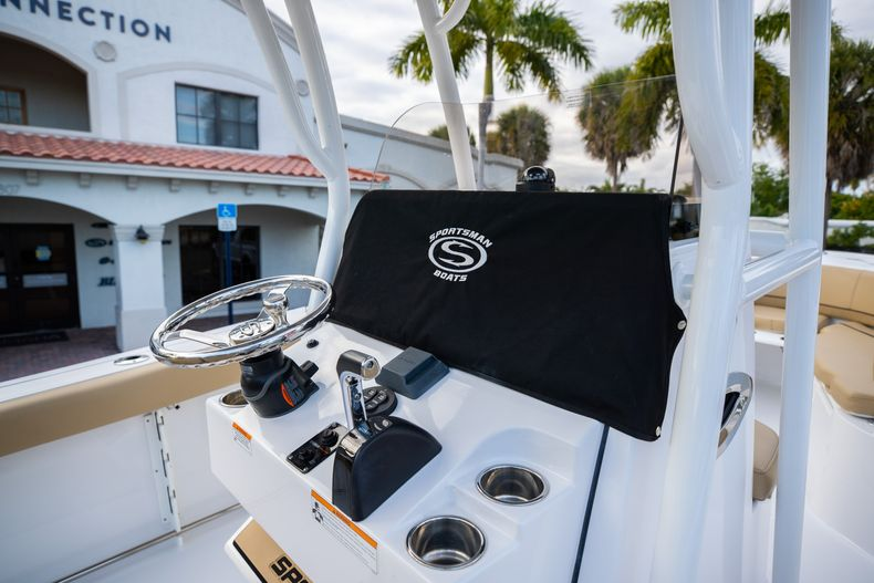 Thumbnail 24 for Used 2018 Sportsman Heritage 241 Center Console boat for sale in West Palm Beach, FL