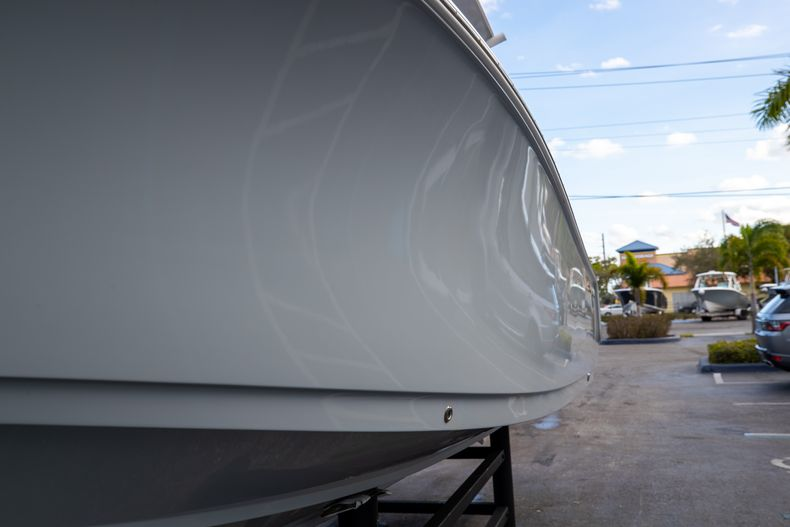 Thumbnail 5 for Used 2018 Sportsman Heritage 241 Center Console boat for sale in West Palm Beach, FL