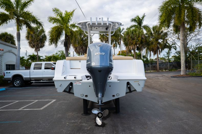 Thumbnail 9 for Used 2018 Sportsman Heritage 241 Center Console boat for sale in West Palm Beach, FL