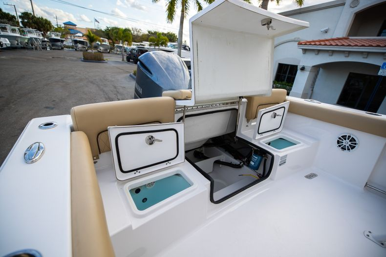 Thumbnail 14 for Used 2018 Sportsman Heritage 241 Center Console boat for sale in West Palm Beach, FL