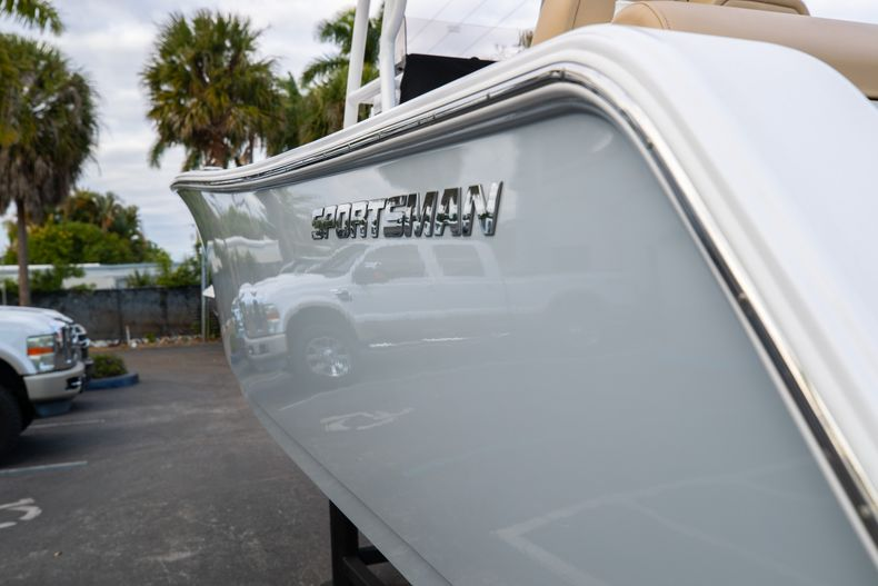 Thumbnail 8 for Used 2018 Sportsman Heritage 241 Center Console boat for sale in West Palm Beach, FL