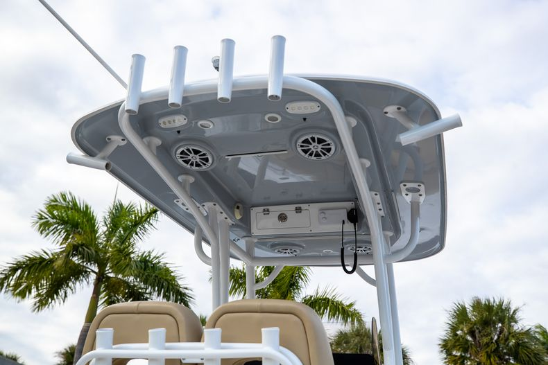 Thumbnail 12 for Used 2018 Sportsman Heritage 241 Center Console boat for sale in West Palm Beach, FL