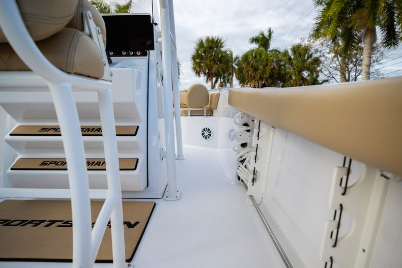 Thumbnail 20 for Used 2018 Sportsman Heritage 241 Center Console boat for sale in West Palm Beach, FL