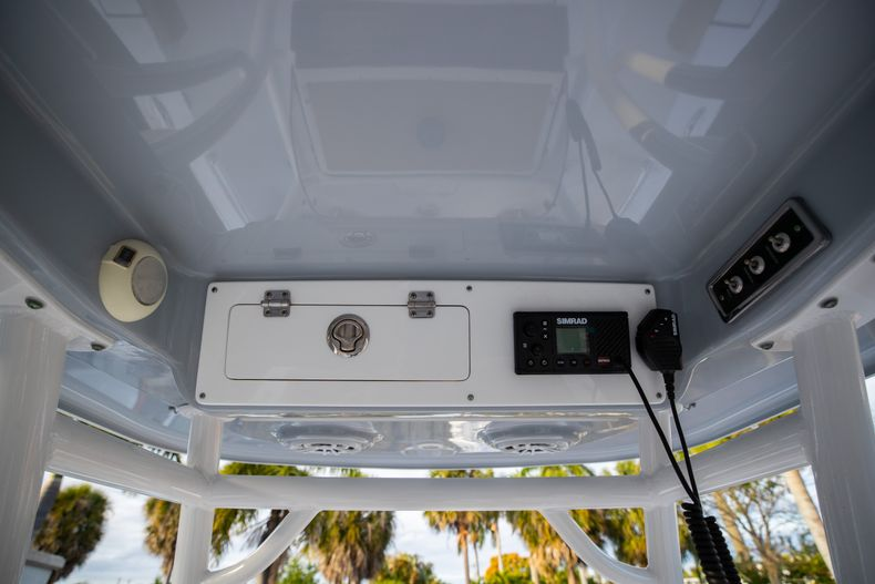 Thumbnail 30 for Used 2018 Sportsman Heritage 241 Center Console boat for sale in West Palm Beach, FL