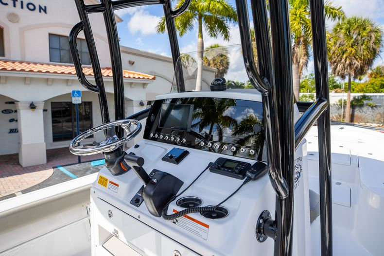Thumbnail 19 for New 2021 Sportsman Masters 227 Bay Boat boat for sale in Vero Beach, FL