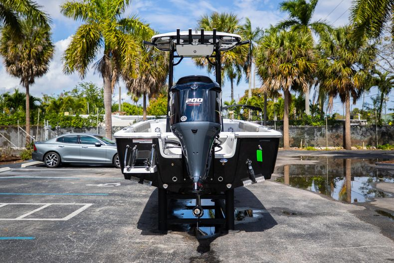Thumbnail 6 for New 2021 Sportsman Masters 227 Bay Boat boat for sale in Vero Beach, FL