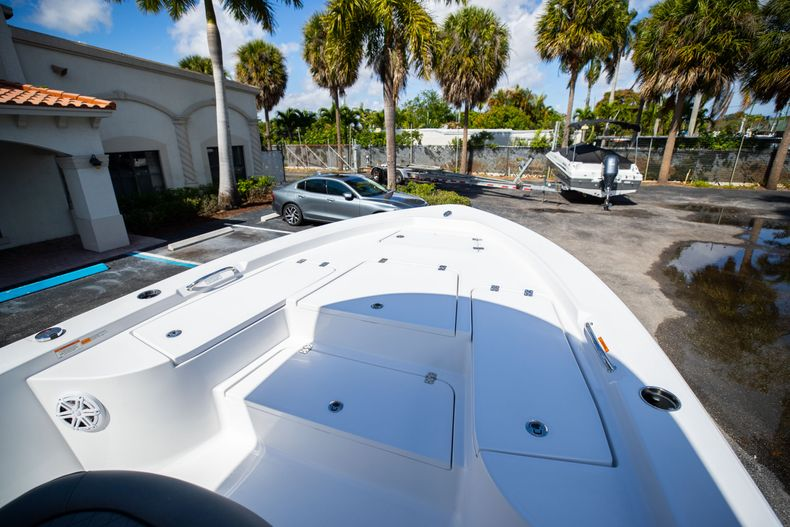 Thumbnail 32 for New 2021 Sportsman Masters 227 Bay Boat boat for sale in Vero Beach, FL