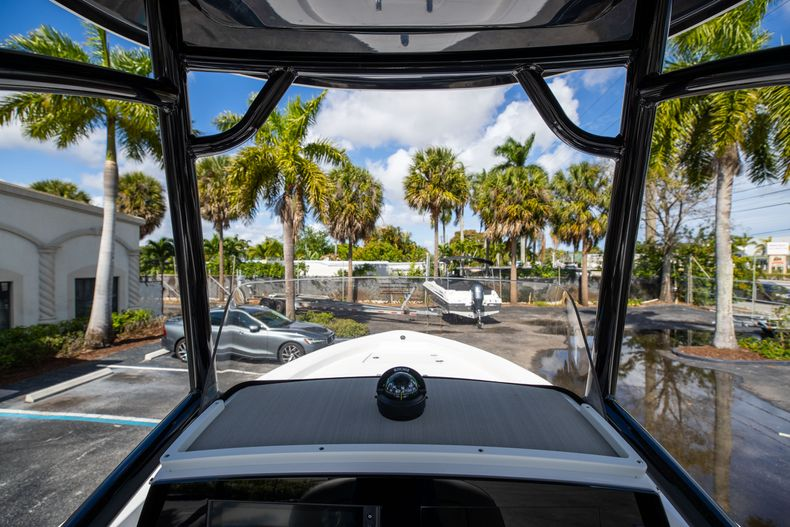 Thumbnail 24 for New 2021 Sportsman Masters 227 Bay Boat boat for sale in Vero Beach, FL