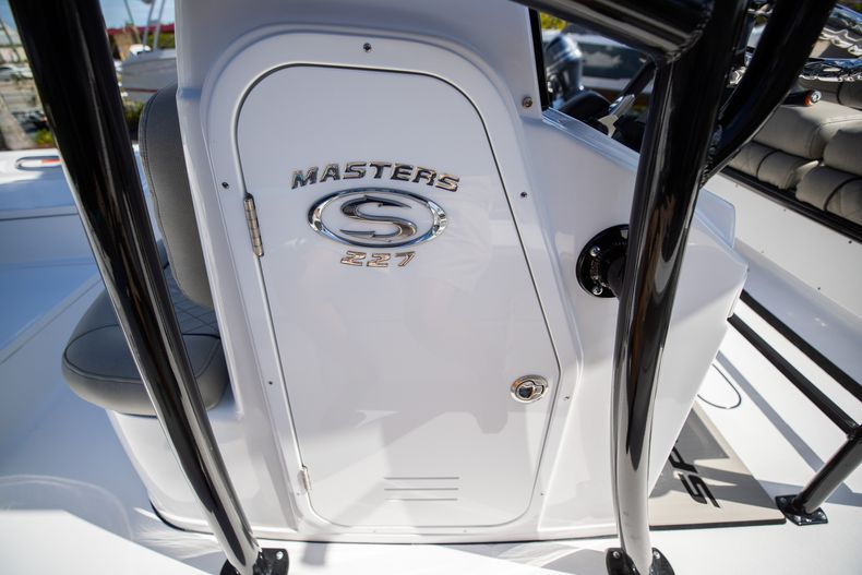 Thumbnail 30 for New 2021 Sportsman Masters 227 Bay Boat boat for sale in Vero Beach, FL
