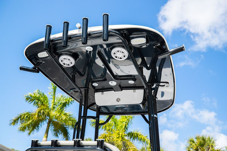 Thumbnail 8 for New 2021 Sportsman Masters 227 Bay Boat boat for sale in Vero Beach, FL