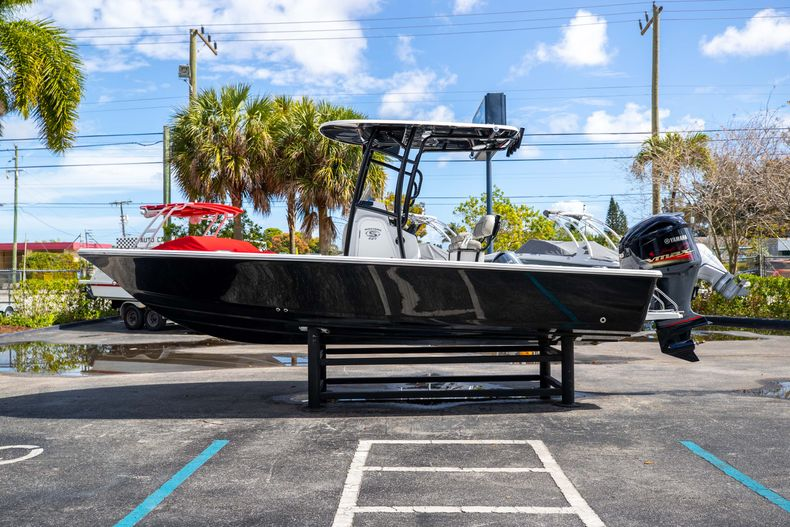 Thumbnail 4 for New 2021 Sportsman Masters 227 Bay Boat boat for sale in Vero Beach, FL