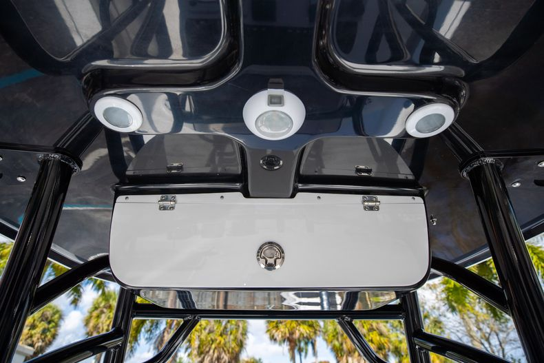 Thumbnail 23 for New 2021 Sportsman Masters 227 Bay Boat boat for sale in Vero Beach, FL