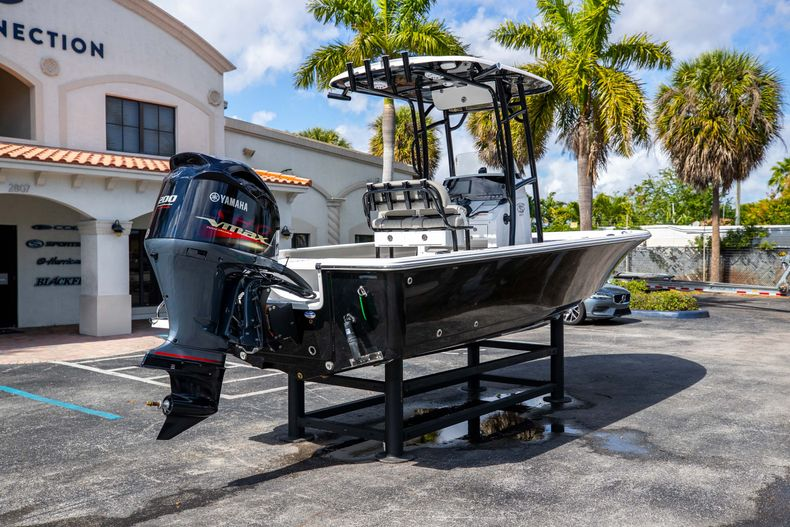 Thumbnail 7 for New 2021 Sportsman Masters 227 Bay Boat boat for sale in Vero Beach, FL