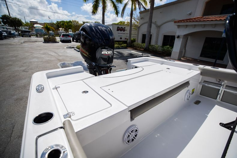 Thumbnail 9 for New 2021 Sportsman Masters 227 Bay Boat boat for sale in Vero Beach, FL