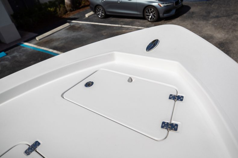 Thumbnail 36 for New 2021 Sportsman Masters 227 Bay Boat boat for sale in Vero Beach, FL