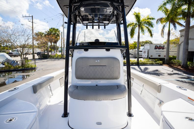 Thumbnail 38 for New 2021 Sportsman Masters 227 Bay Boat boat for sale in Vero Beach, FL