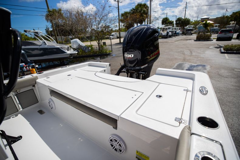 Thumbnail 12 for New 2021 Sportsman Masters 227 Bay Boat boat for sale in Vero Beach, FL
