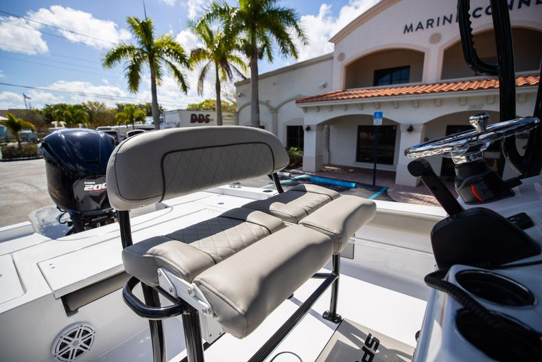 Thumbnail 27 for New 2021 Sportsman Masters 227 Bay Boat boat for sale in Vero Beach, FL