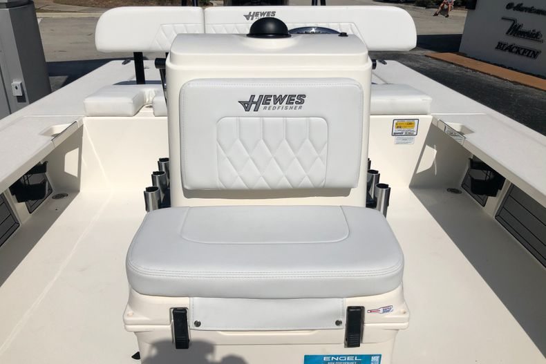 Thumbnail 15 for New 2021 Hewes Redfisher 21 boat for sale in Vero Beach, FL