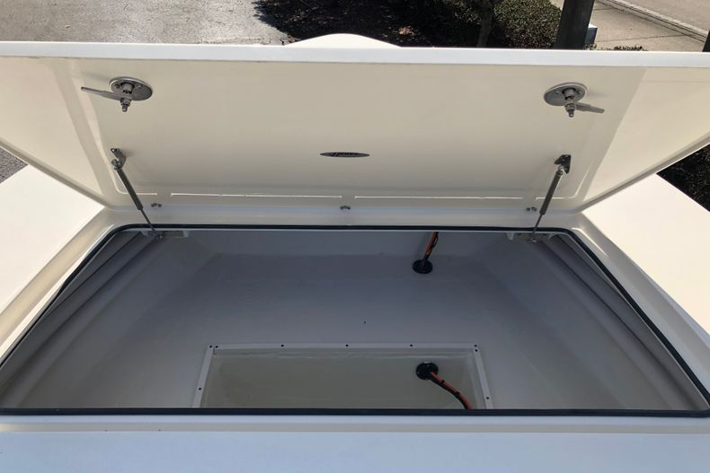 Thumbnail 18 for New 2021 Hewes Redfisher 21 boat for sale in Vero Beach, FL