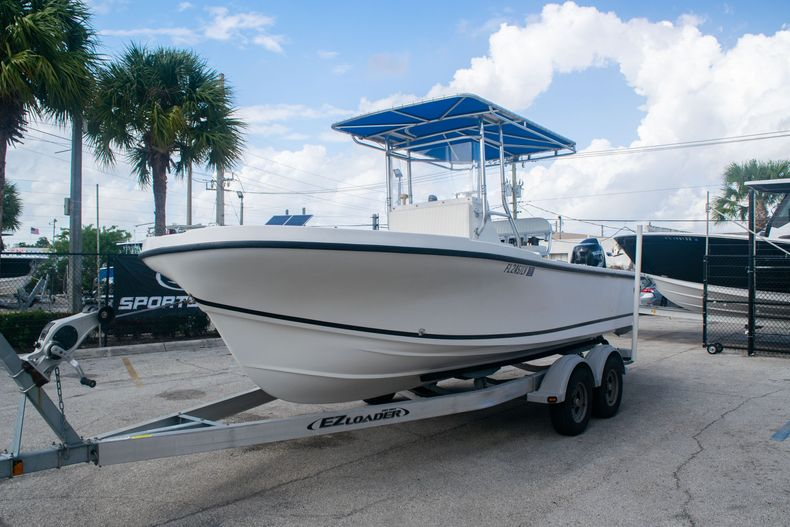 Thumbnail 3 for Used 2002 Dusky 203 Open Center Console boat for sale in Fort Lauderdale, FL