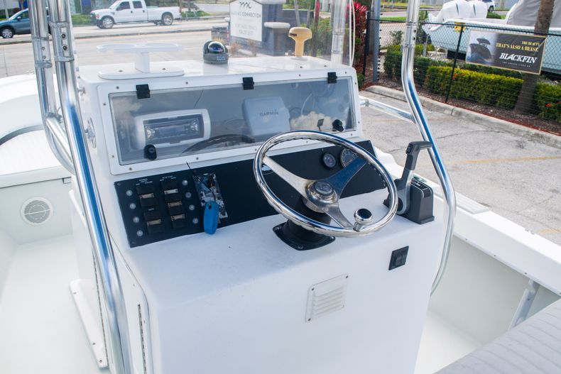 Thumbnail 14 for Used 2002 Dusky 203 Open Center Console boat for sale in Fort Lauderdale, FL
