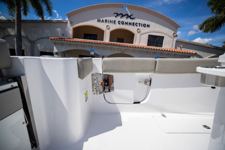 Thumbnail 26 for New 2021 Sportsman Open 252 Center Console boat for sale in West Palm Beach, FL