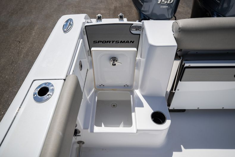 Thumbnail 10 for New 2021 Sportsman Open 252 Center Console boat for sale in West Palm Beach, FL