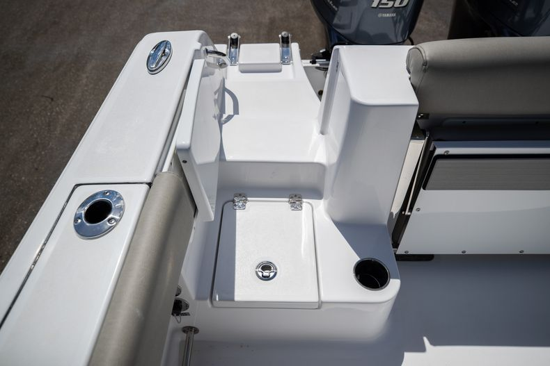 Thumbnail 9 for New 2021 Sportsman Open 252 Center Console boat for sale in West Palm Beach, FL
