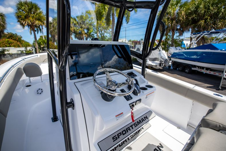 Thumbnail 38 for New 2021 Sportsman Open 252 Center Console boat for sale in West Palm Beach, FL