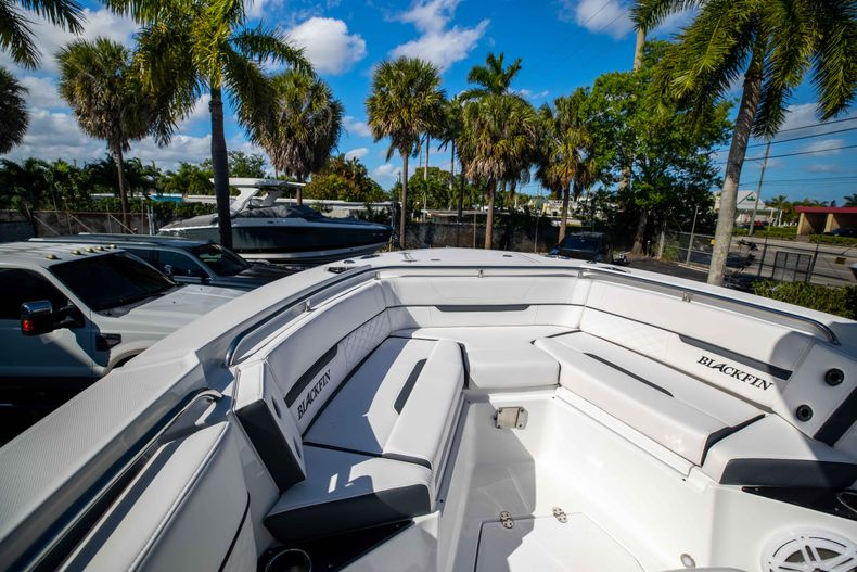 Thumbnail 37 for New 2021 Blackfin 252CC boat for sale in West Palm Beach, FL