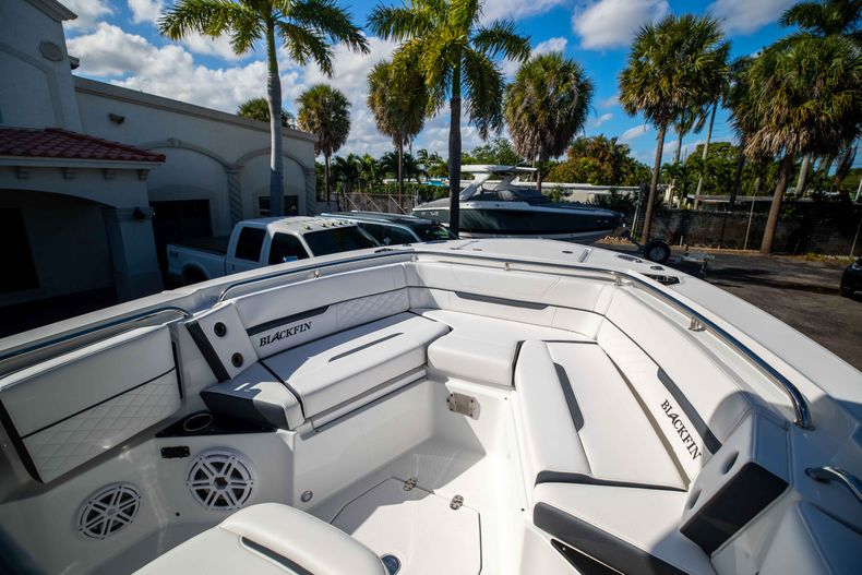 Thumbnail 35 for New 2021 Blackfin 252CC boat for sale in West Palm Beach, FL