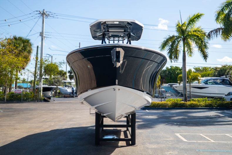 Thumbnail 2 for New 2021 Blackfin 252CC boat for sale in West Palm Beach, FL
