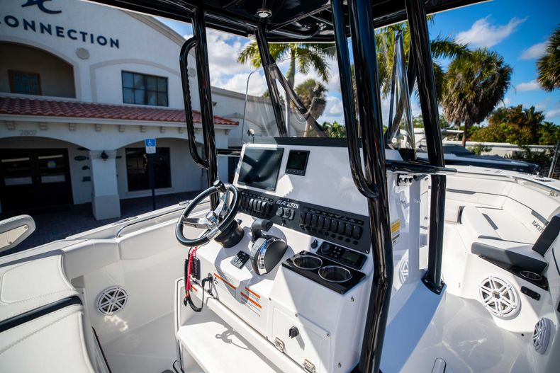 Thumbnail 23 for New 2021 Blackfin 252CC boat for sale in West Palm Beach, FL