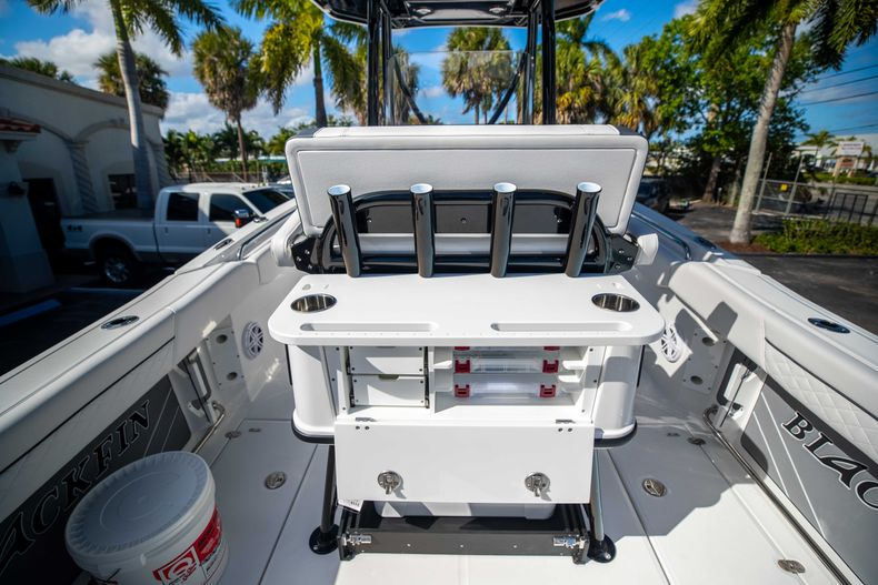 Thumbnail 21 for New 2021 Blackfin 252CC boat for sale in West Palm Beach, FL
