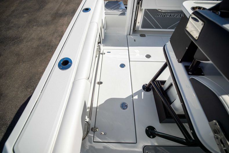 Thumbnail 18 for New 2021 Blackfin 252CC boat for sale in West Palm Beach, FL