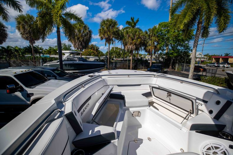 Thumbnail 38 for New 2021 Blackfin 252CC boat for sale in West Palm Beach, FL