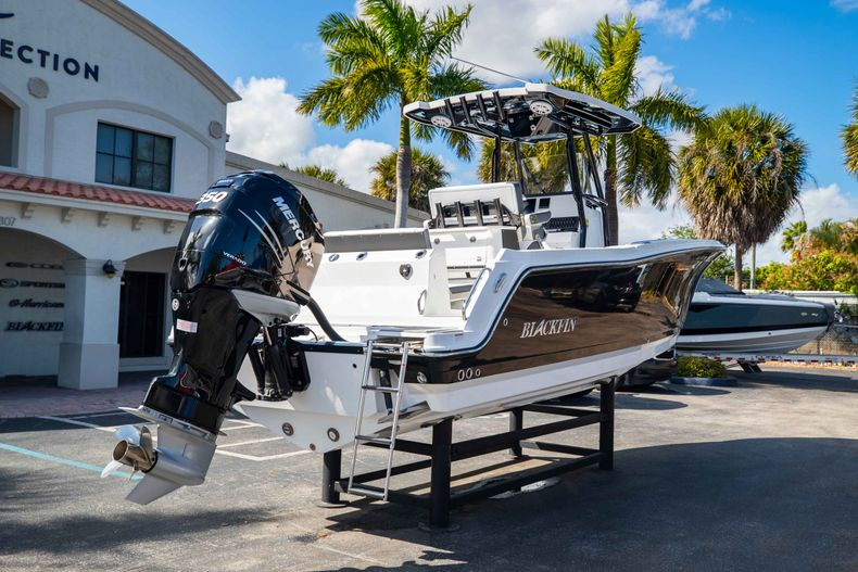 Thumbnail 7 for New 2021 Blackfin 252CC boat for sale in West Palm Beach, FL