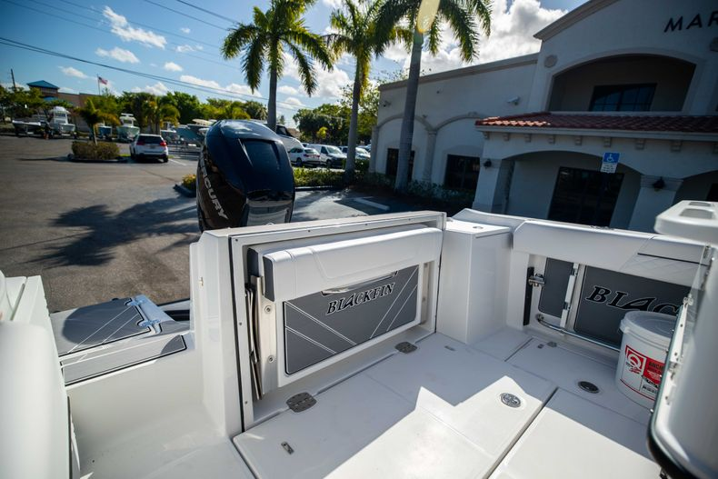 Thumbnail 9 for New 2021 Blackfin 252CC boat for sale in West Palm Beach, FL