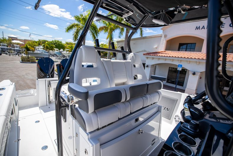 Thumbnail 21 for New 2021 Blackfin 332CC boat for sale in West Palm Beach, FL