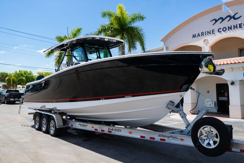 Thumbnail 1 for New 2021 Blackfin 332CC boat for sale in West Palm Beach, FL