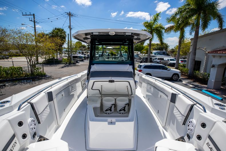 Thumbnail 26 for New 2021 Blackfin 332CC boat for sale in West Palm Beach, FL