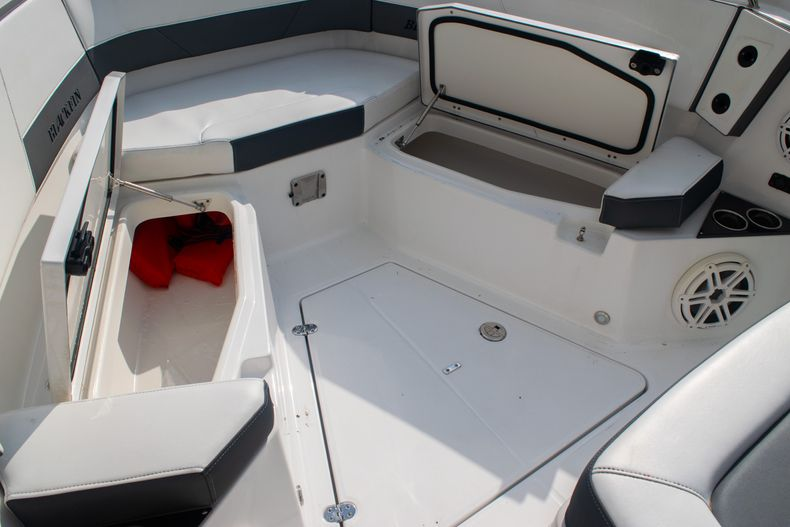 Thumbnail 56 for Used 2020 Blackfin 332CC boat for sale in Fort Lauderdale, FL